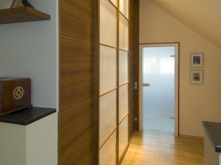 Schiebetüre Raumteiler Holzrahmen Gang