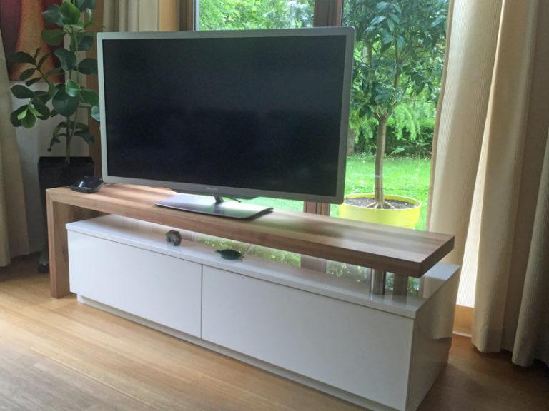 TV lowboard weiß nussbaum