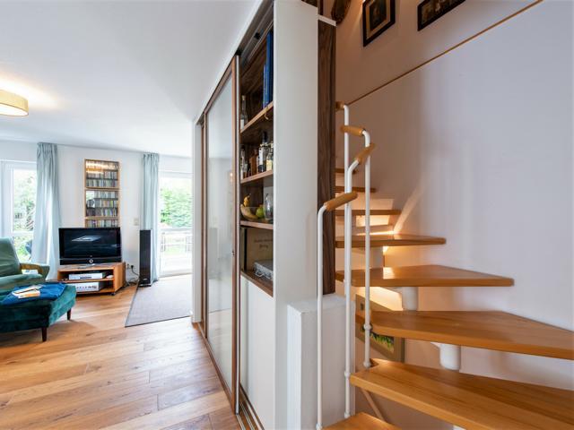 Treppenhausabtrennung mit Gleittüren